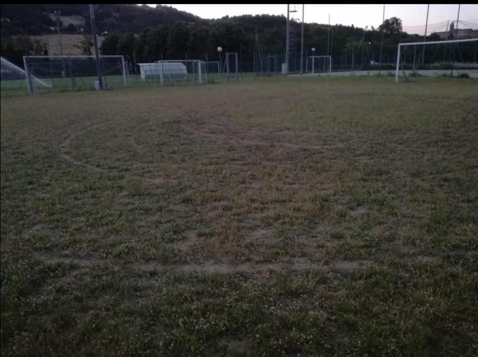 campo-di-calcio-vandalizzato