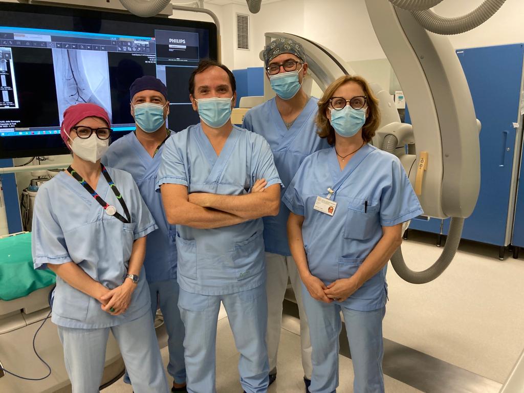 Equipe-ospedale-di-Forli-procedura-di-arterializzazione-del-circolo-venoso