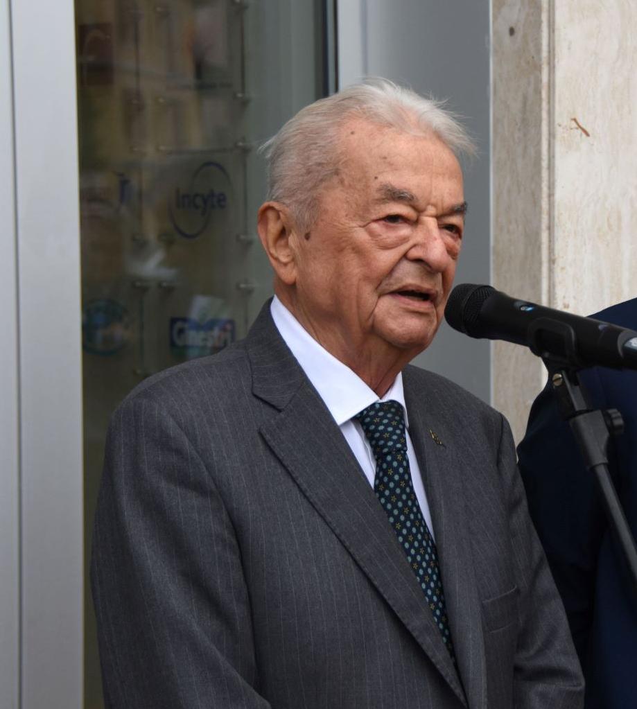 Professor Sante Tura