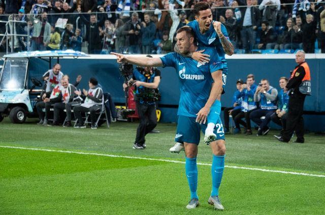 На матче «Зенит» - «Спартак» произошла массовая драка болельщиков