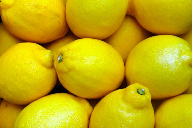 В 2020 году в Петербург ввезли почти 100 тысяч тонн лимонов