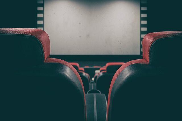 Кинотеатры и фуд-корты возобновили работу в Петербурге