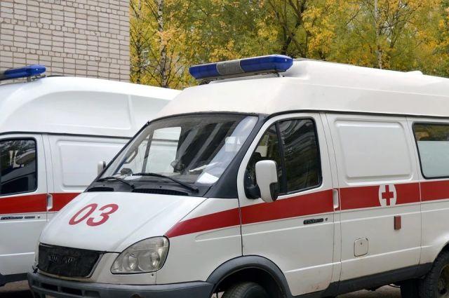 Очередь из скорых образовалась у коронавирусной больницы в Пушкине