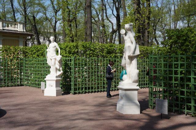 В Петербурге на просушку закрыты 87 садов и скверов