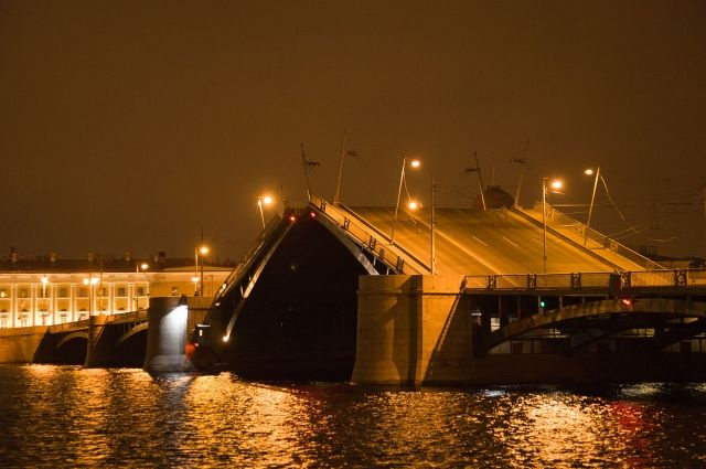 Капитальный ремонт Биржевого моста обойдется в 2,4 миллиарда