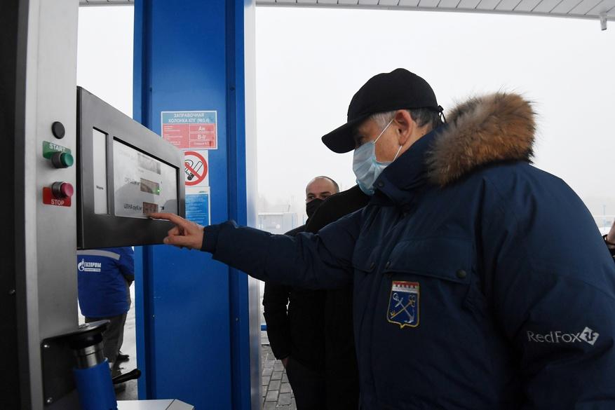Правительство Ленобласти оценило работу газовой автозаправки во Всеволожске