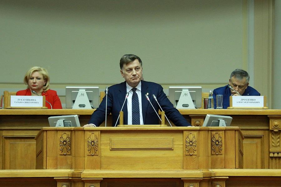 Беглов наградил Макарова за заслуги перед Петербургом