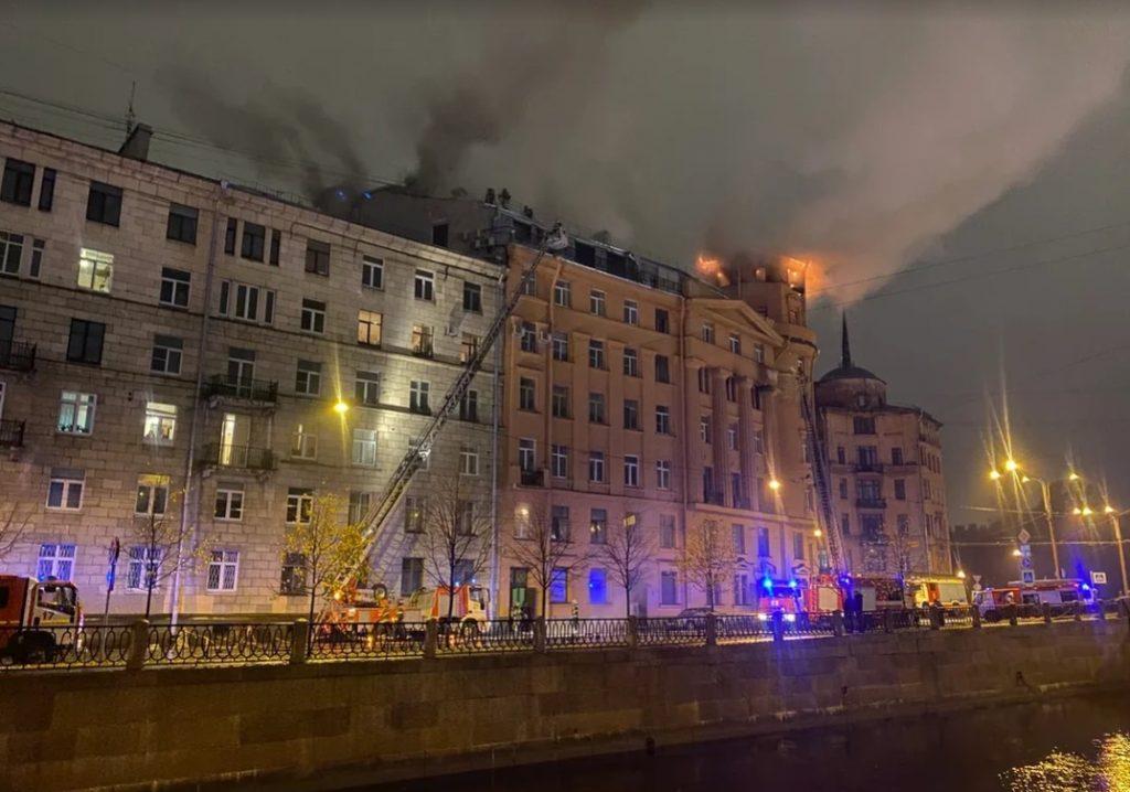В Петербурге возбудили уголовное дело после пожара в доме Чубакова на Карповке