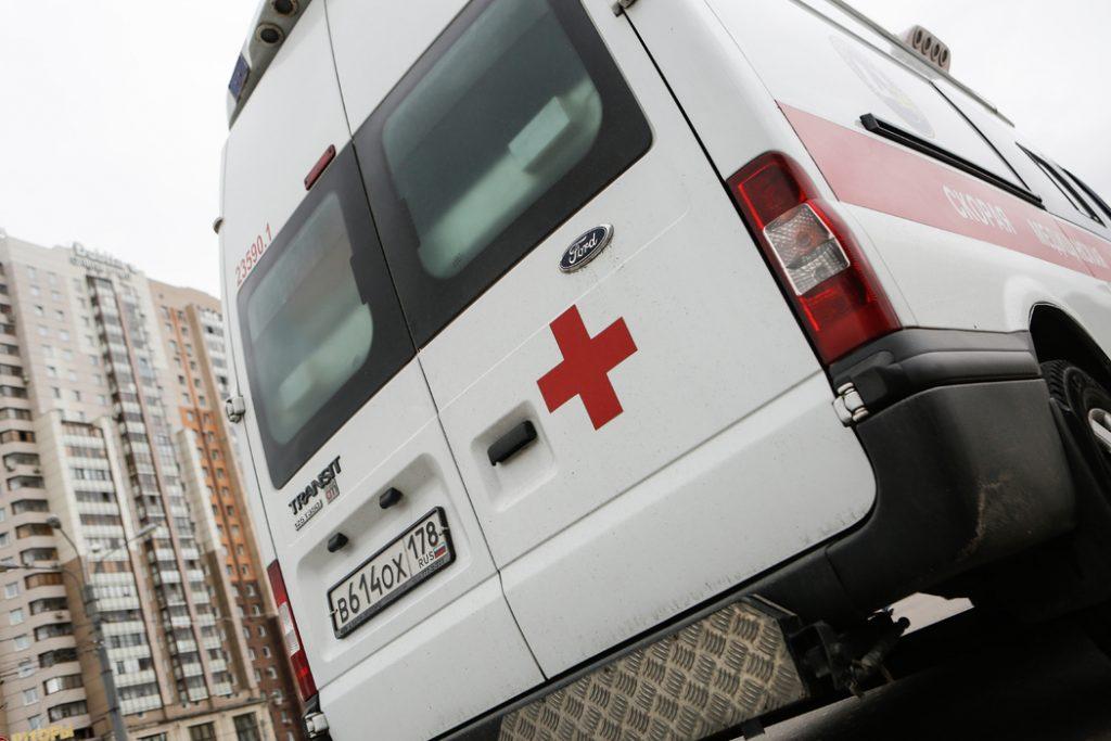 Бывший чиновник Смольного выпал из окна многоэтажного дома