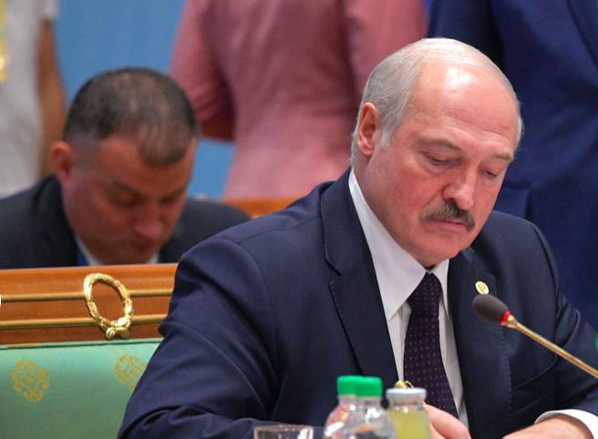 Лукашенко поручил усилить охрану границ Беларуси — особенно там, где нет России