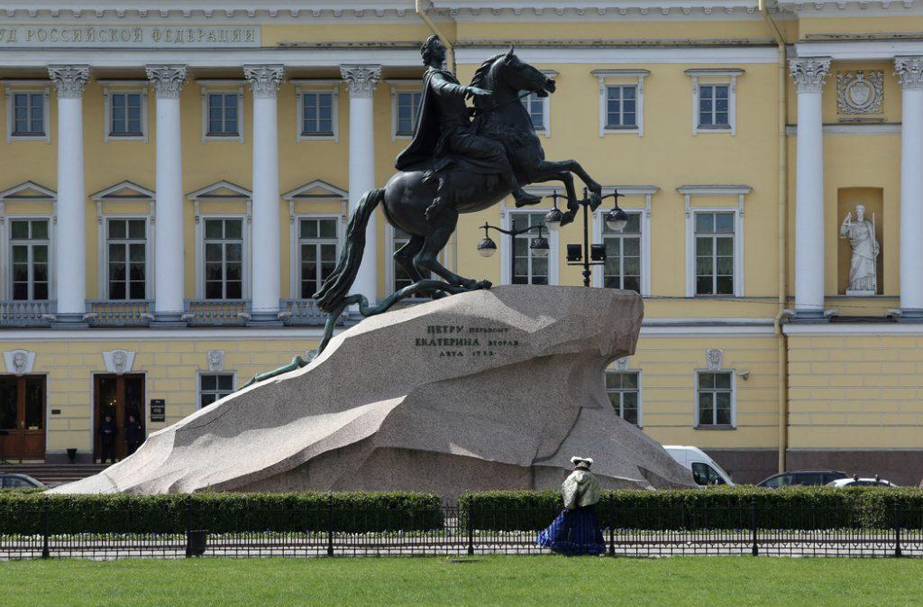 Реставрация «Медного всадника» началась в Петербурге