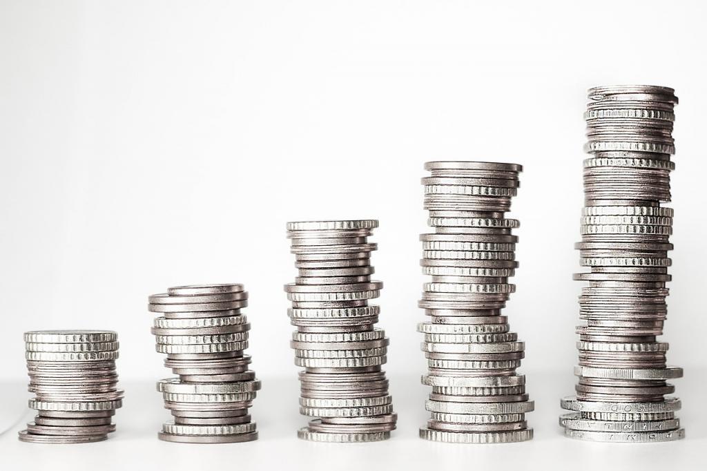 Стал известен прогноз стоимости доллара и евро на 2021 год