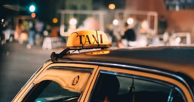В Ленобласти пассажир напал на водителя и угнал машину