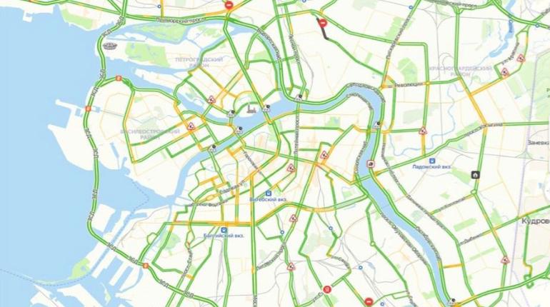 В конце недели Петербург порадует автолюбителей свободными дорогами