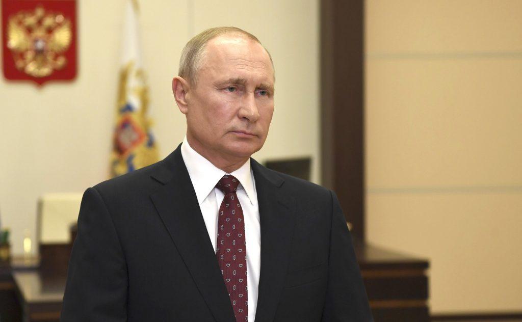 Путин приедет в Петербург на день ВМФ смотреть парад