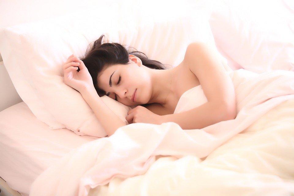 Ученые раскрыли смертельную опасность дневного сна