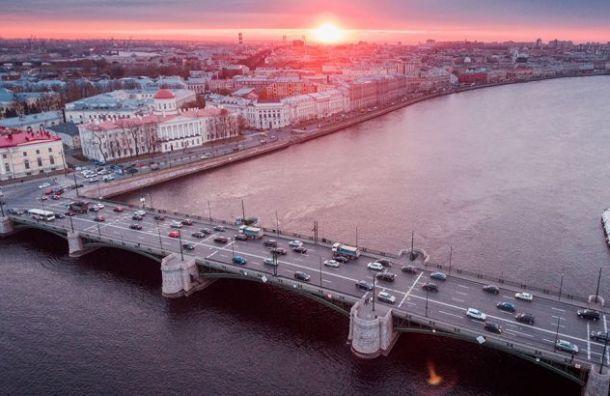 Биржевый мост полностью отремонтируют в следующем году