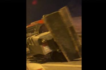 В ДТП с легковушкой и трактором на Октябрьской набережной пострадала женщина