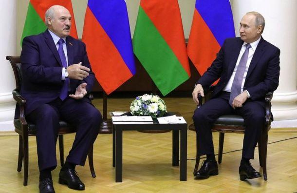 Путин поздравил Лукашенко с победой на выборах президента Белоруссии