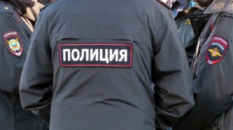 В Петербурге трех полицейских подозревают в получении взятки от студента