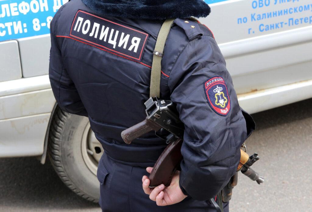 Шестерых доставил в полицию после стрельбы на Васильевском