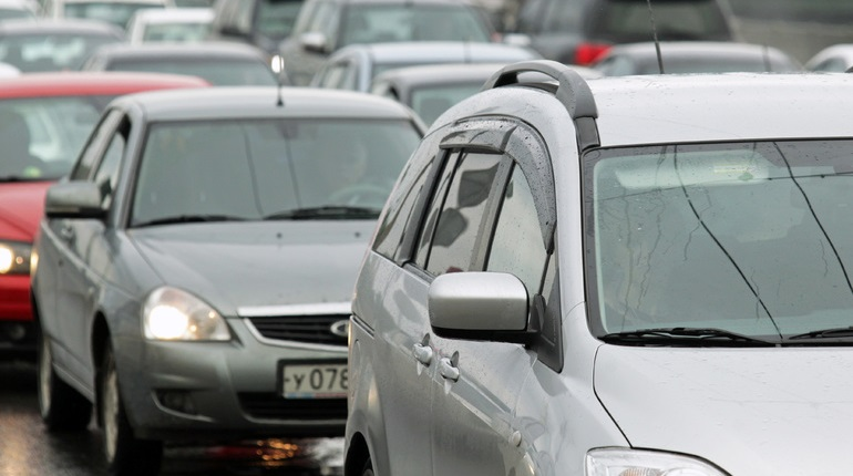 МВД предлагает разрешить водить машину в России с 17 лет