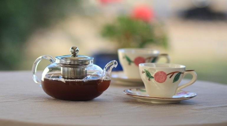 Врач назвал безопасную норму чая