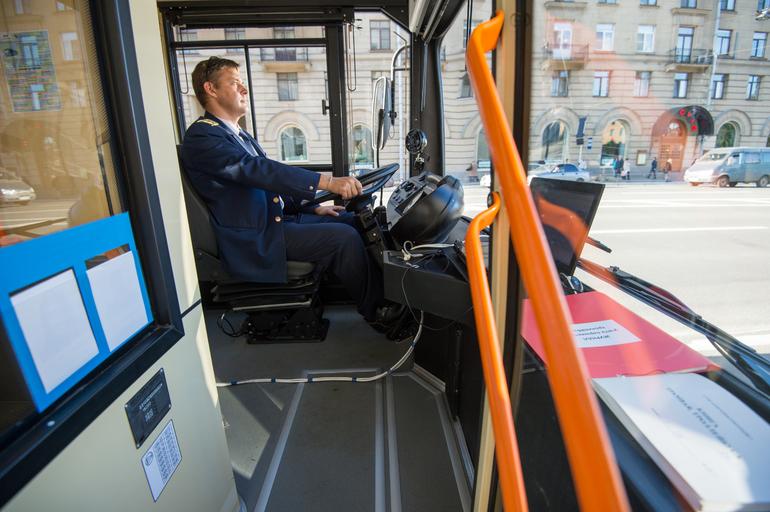 С 1 января в Петербурге подорожает проезд в общественном транспорте