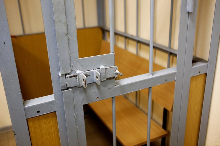 Задержан таксист, подозреваемый в развращении девочки на детской площадке в Коммунаре
