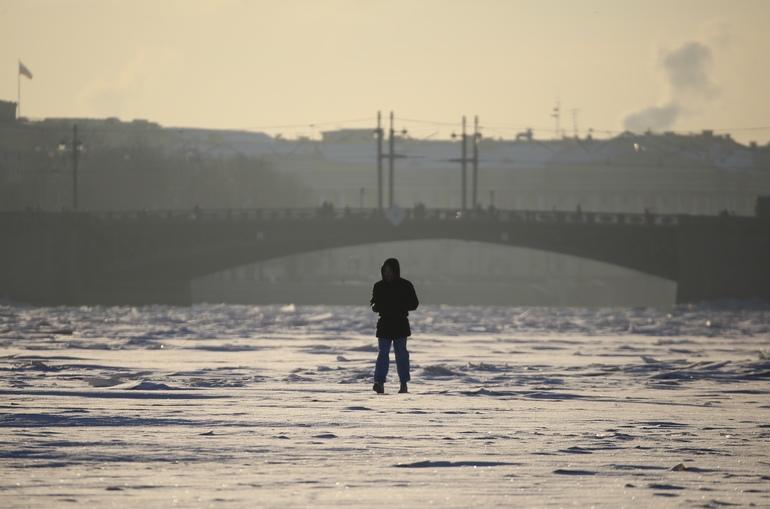Росприроднадзор по СЗФО проверяет информацию о загрязнении Невы