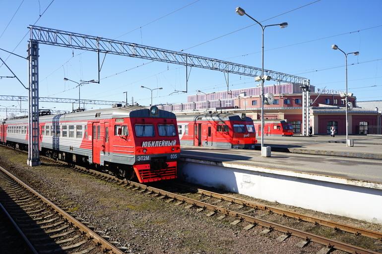 Беглов обсудил с главой «РЖД» строительство железнодорожных обходов Петербурга