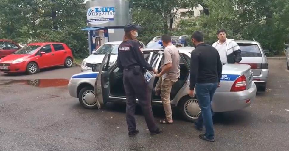 В Калининском районе Петербурга задержали 36 мигрантов