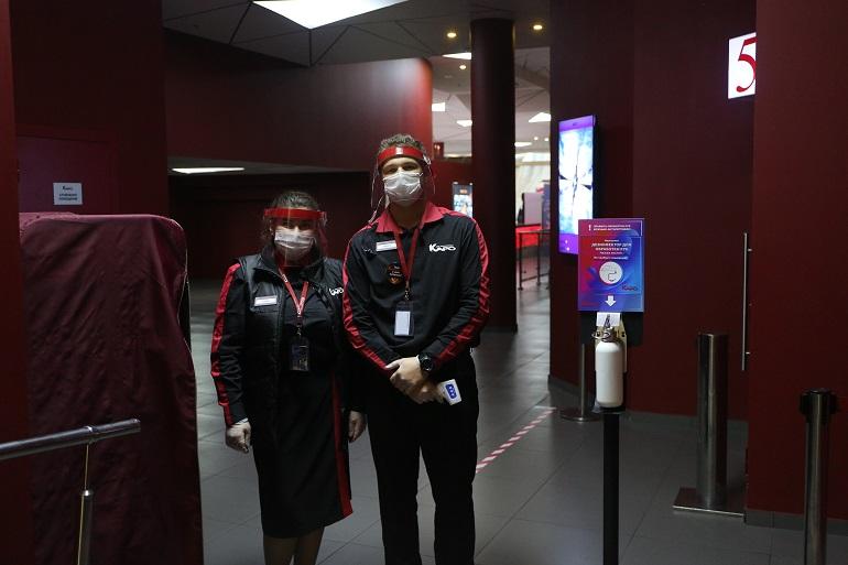 Кинотеатры и фуд-корты открылись в Петербурге после пандемии