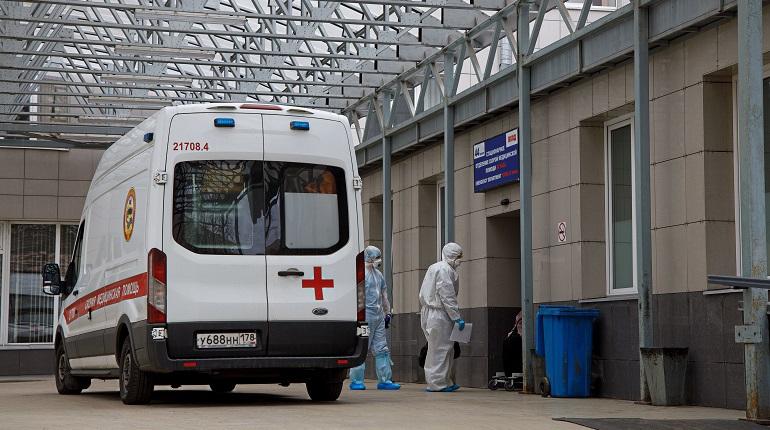 В Петербурге подтвердили 2215 случаев коронавируса за сутки