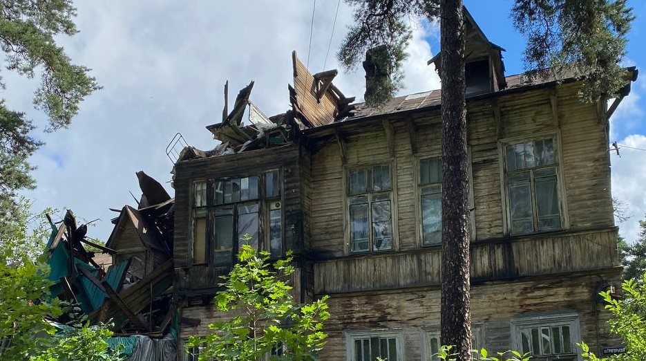 По факту обрушения «Дачи Кривдиной» в Сестрорецке возбудили уголовное дело