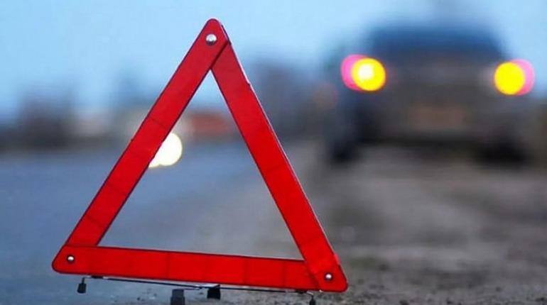 BMW налетел на пешехода в Сосновом Бору, у пострадавшего – тяжелые травмы