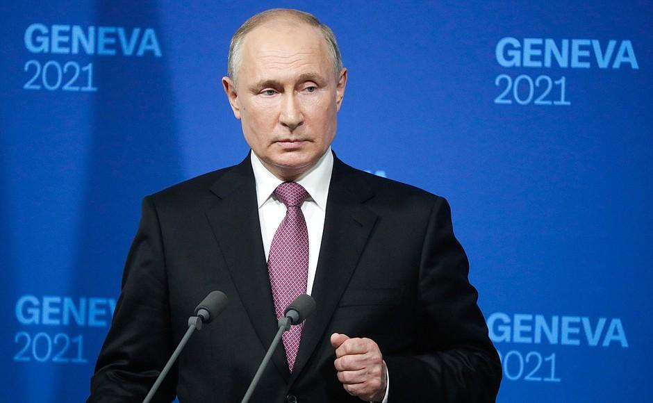 Двухсотбалльников стало больше: в Петербурге объявлены результаты ЕГЭ