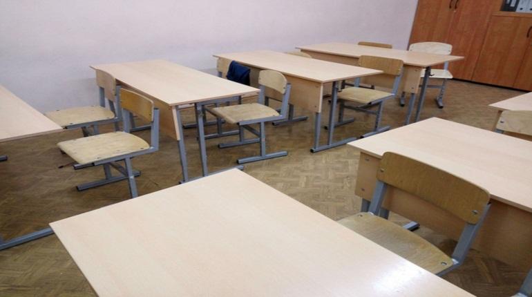 В Петербурге могут закрыть школы: что случится с учениками?
