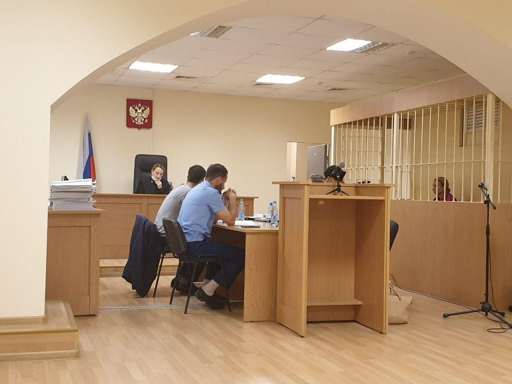 Смольнинский суд Петербурга продолжит рассматривать дело жены Картрайта об убийстве с расчленением
