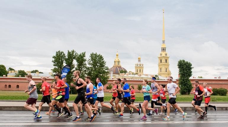 В Петербурге начался полумарафон «Северная столица»