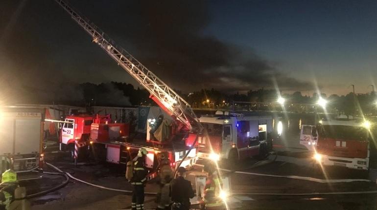 Пожар в ресторане «Паруса» потушили почти за пять часов