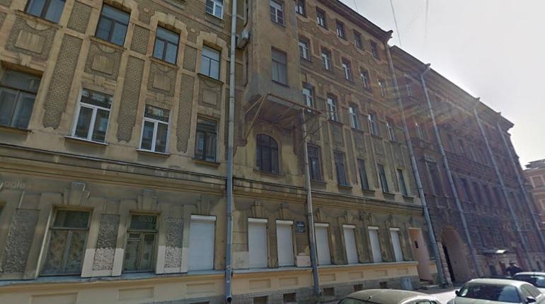 На улице Рылеева спасатели ночью тушили ванную комнату