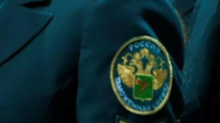 Главного таможенного инспектора в Петербурге подозревают в халатности на 29 млн