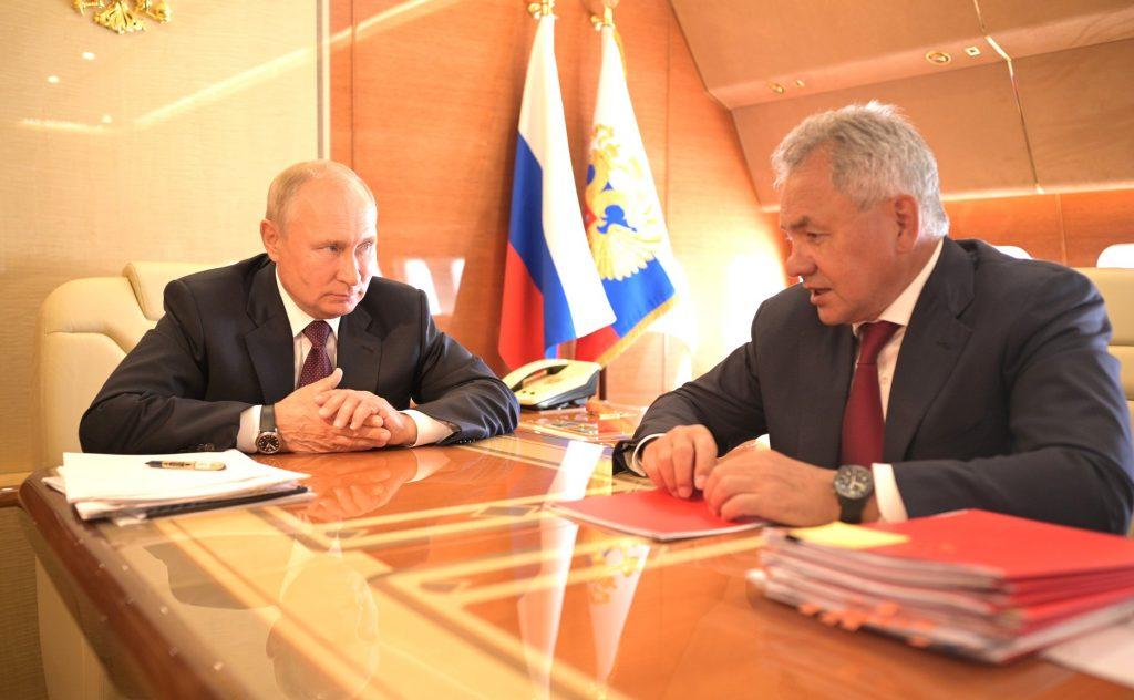 Путин уехал из Петербурга с Шойгу, не повидавшись с Бегловым