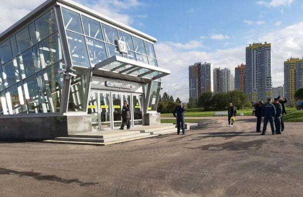 Пассажиру тут не место: Беглов открыл новые станции метро в тестовом режиме