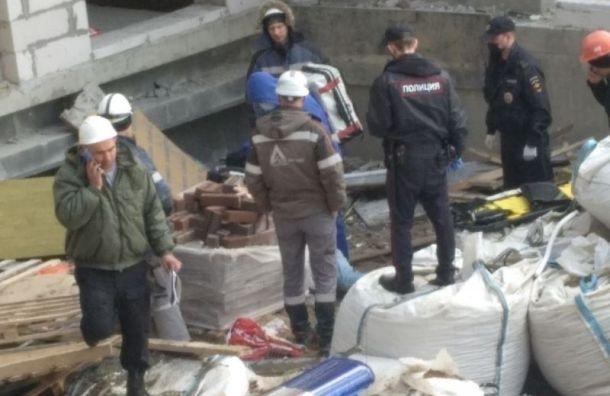 На стройке в ЖК «Английская миля» разбился рабочий