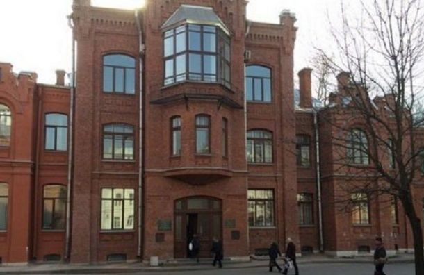 Две больницы Санкт-Петербурга начали прием пациентов с внебольничными пневмониями