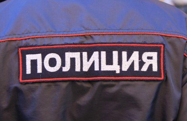 Отвалившийся кусок штукатурки едва не убил сотрудницу полиции