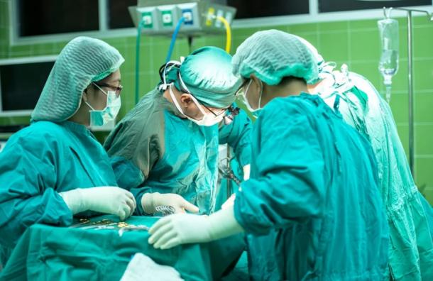 Беглов: Первый пациент скончался от коронавируса в Боткина