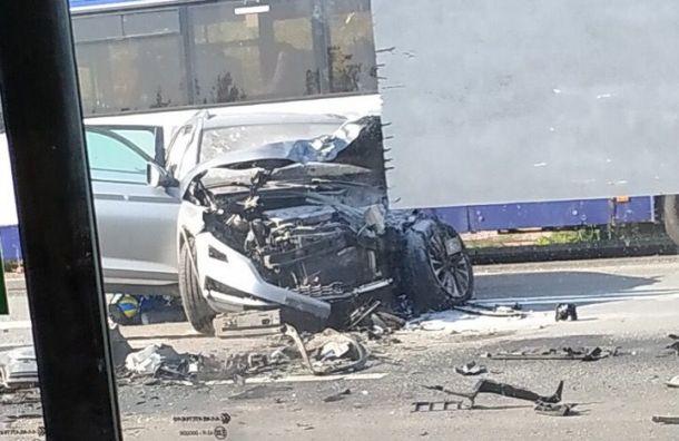 Пенсионерка погибла в аварии под Тосно